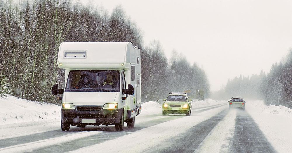guidare-il-camper-sulla-neve
